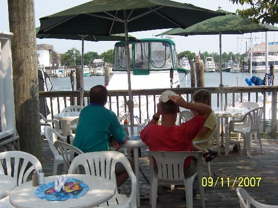 Gilligans Waterfront Restaurant
